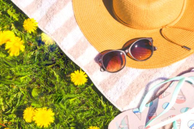 взять что с собой от солнца? Шляпу или кепку