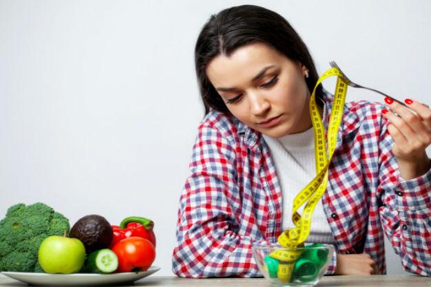 дама хочет сбросить вес используя бессолевую диету