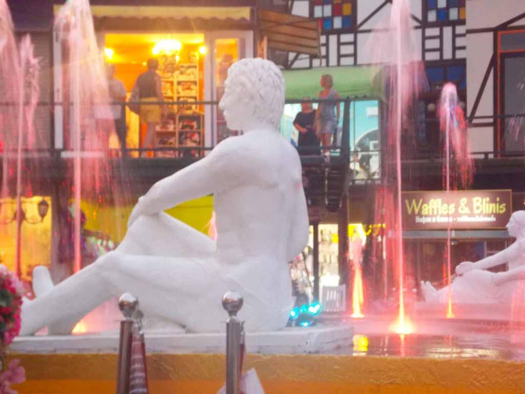 Таиланд Фонтан, скульптура, комплекс мимоза.