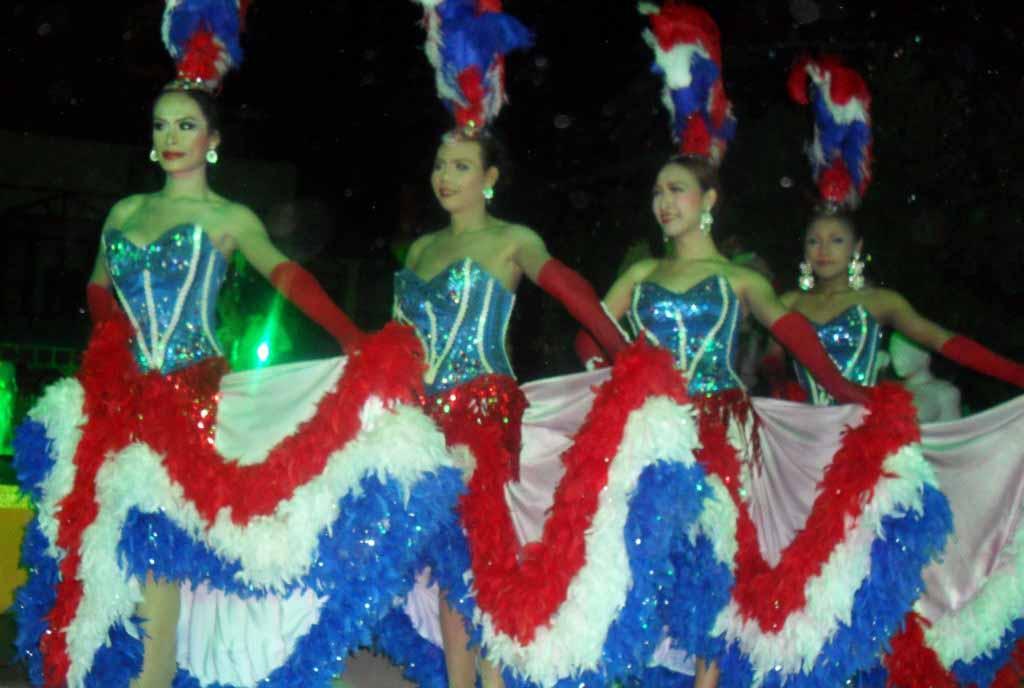 танец трансвиститов Таиланд