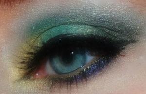 красивый макияж глаз в изумрудных оттенках
