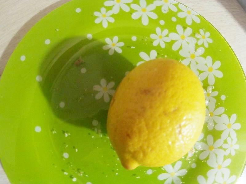 устранение морщин осуществляем с лимонным соком