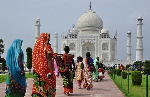Достопримечательности мира: дворец-мавзолей Тадж-Махал в Индии