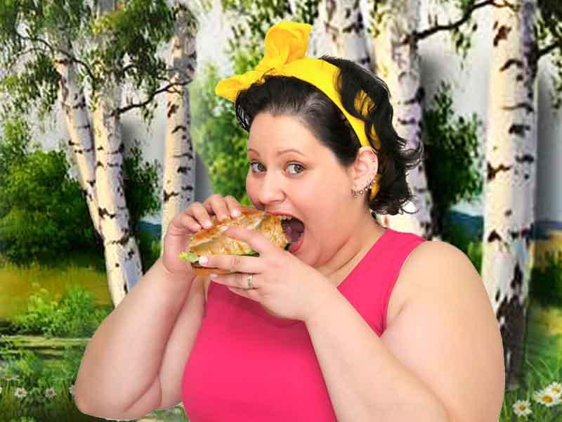 девушка использует меню диеты куриной