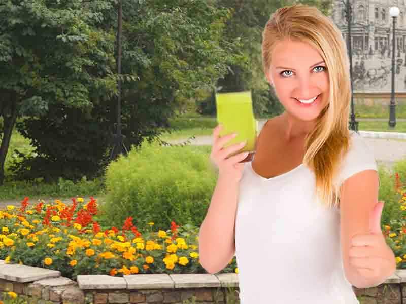 Девушка показывает: сиртфуд диета что это отличное питание