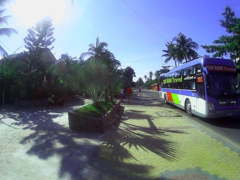 Автобус для экскурсий из Муйне